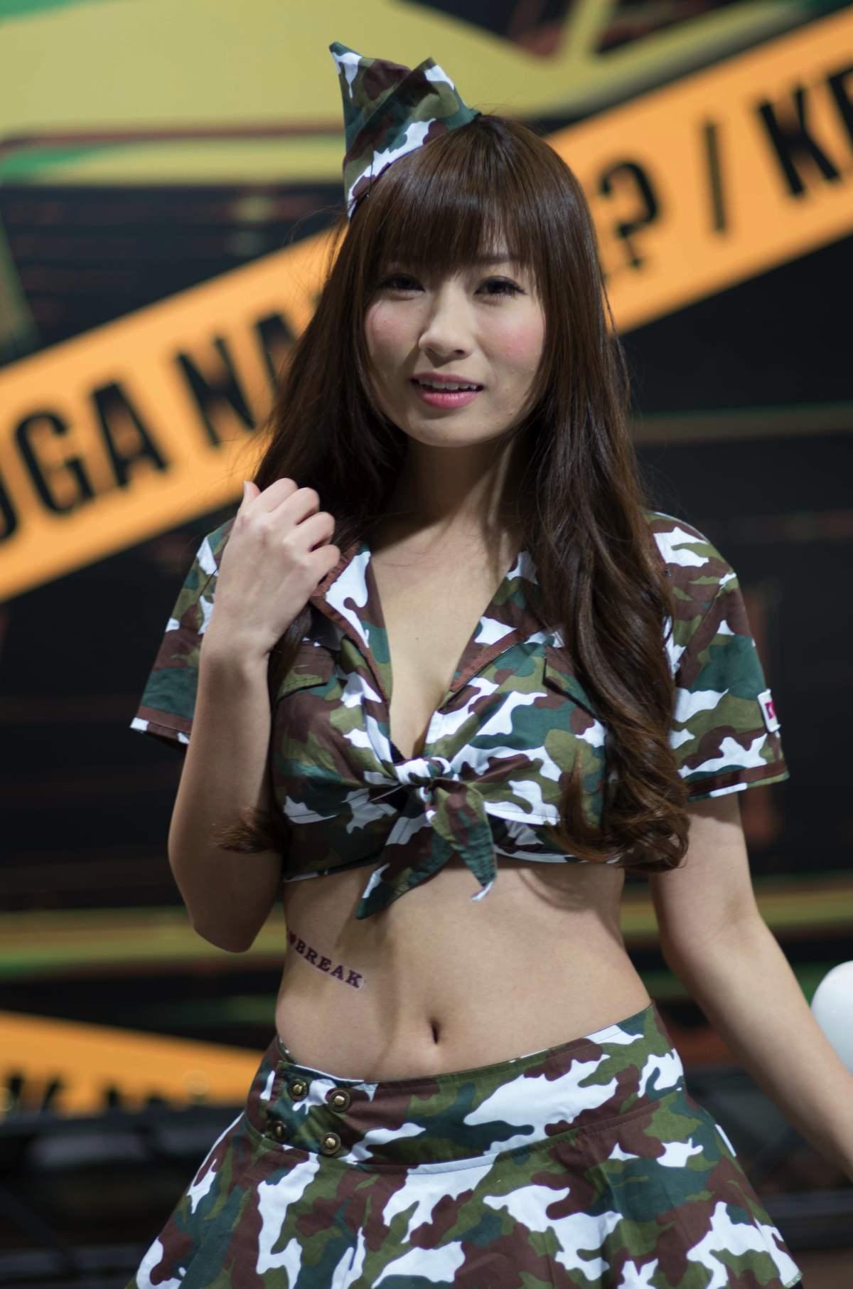 2014オートメッセ1日目コンパニオン11