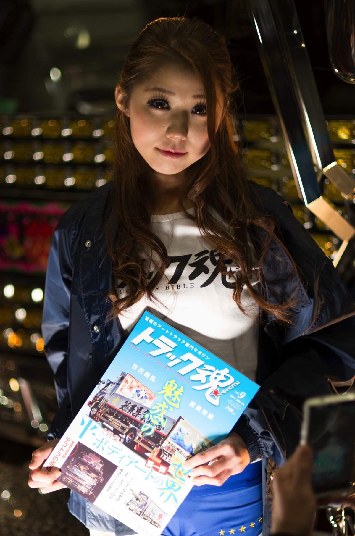 2014オートメッセ1日目コンパニオン2
