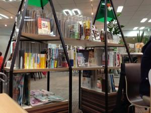 アサヒラボガーデンオシャレな本棚